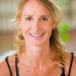portret van yogadocente Margot